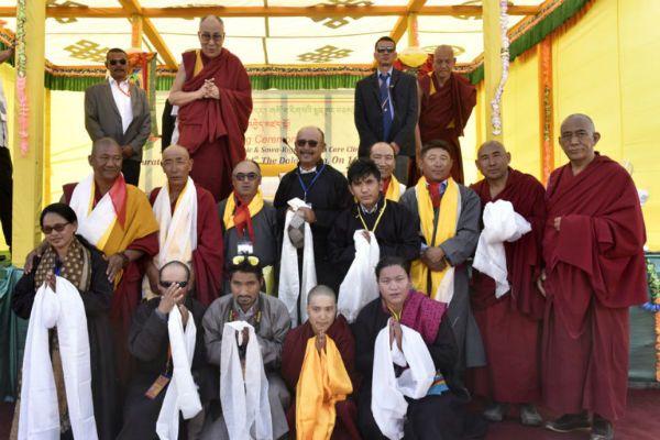 达赖喇嘛尊者抵达藏斯卡